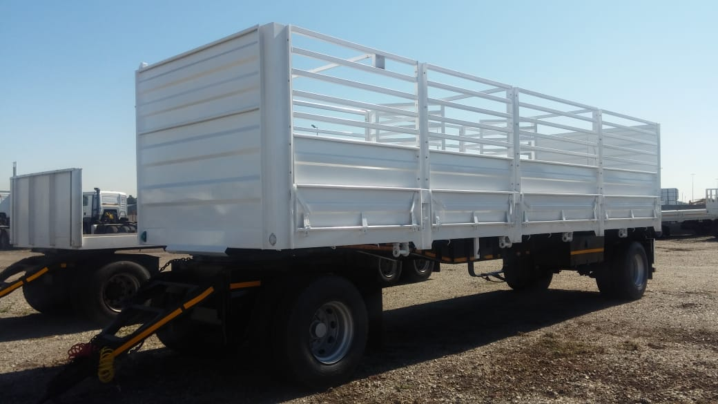 #1577 2017 UBT 2 AXLE DRAWBAR TRAILER WITH CATTLE SIDES