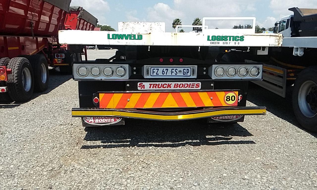 #1572 Used 2017 SA Truck Bodies Flatdeck Superlink